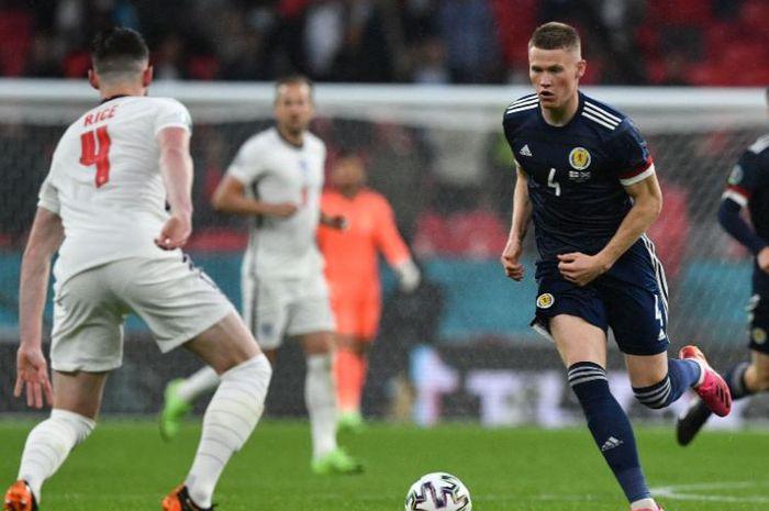 Timnas Inggris harus berjuang hingga laga terakhir karena hanya bermain imbang melawan tetangga, timnas Skotlandia.