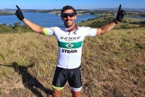 Eks Penyerang Timnas Brasil Rela Bersepeda Sejauh 600 Km demi Aksi Kemanusiaan