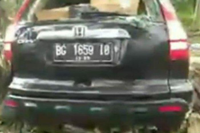 Honda CR-V yang teronggok pasrah tidak diakui pemilik alamat