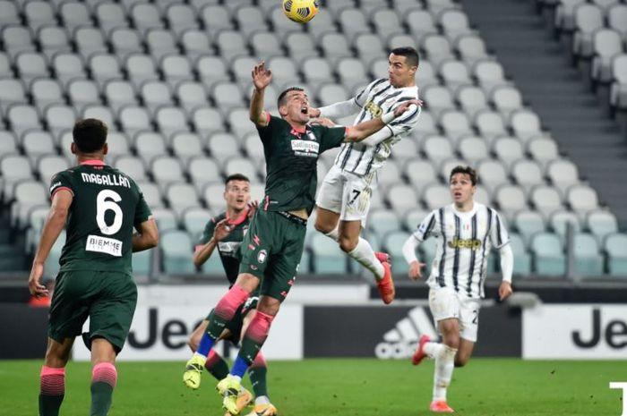 Berkat CR7 Airlines, Cristiano Ronaldo cuma berada di bawah Zlatan Ibrahimovic soal total klub yang dibobol.