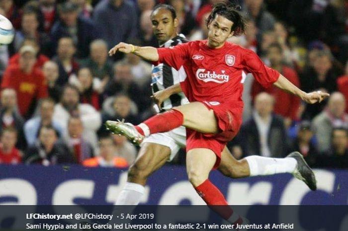 Lesakkan gol voli Luis Garcia ke gawang Juventus pada laga perempat final Liga Champions 2004-2005
