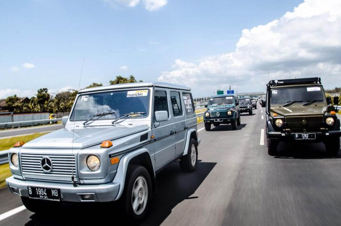 Mercedes Jip Indonesia menuju Jawa Timur