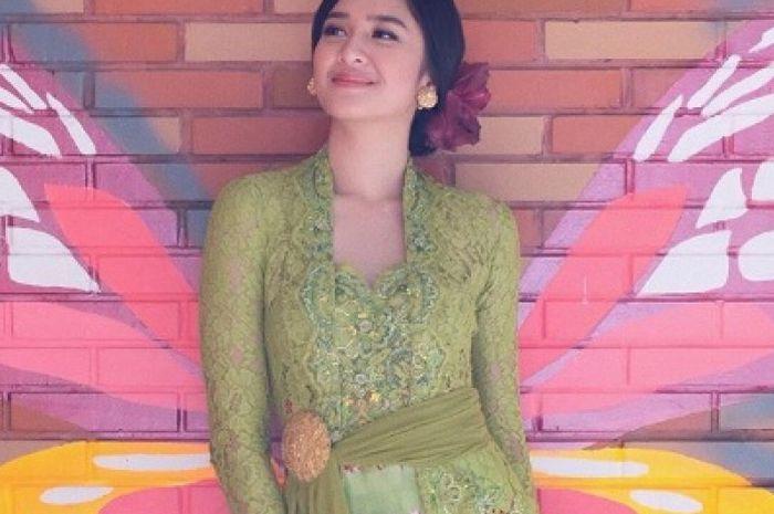 Kebaya Mikha Tambayong