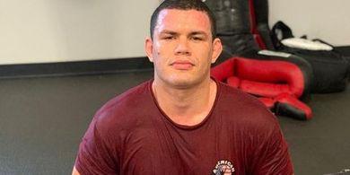 Ajang Saingan UFC Boyong Rekan Dustin Poirier, Beli Kucing dalam Karung?