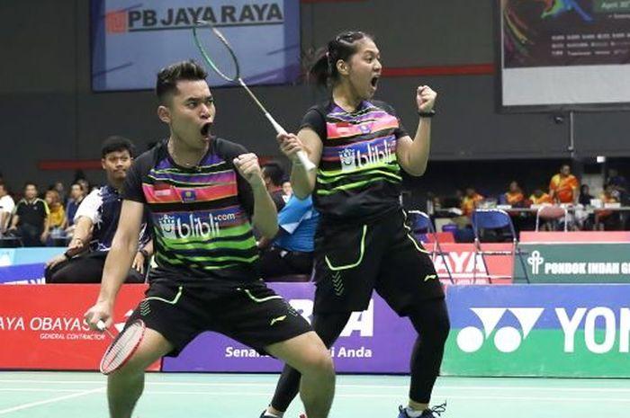 Pasangan ganda campuran Indonesia, Leo Rolly Carnando/Indah Indah Cahya Sari Jamil, berhasil meraih juara  Pembangunan Jaya Raya Junior Grand Prix 2019, di GOR Jaya Raya, Bintaro, Minggu (5/5/2019).