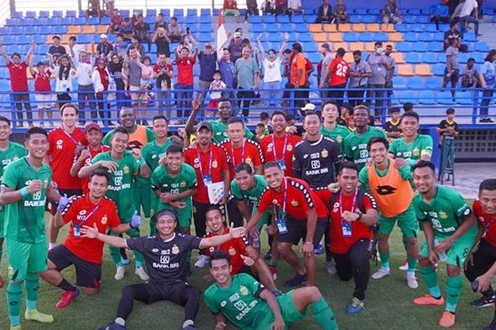 Para pemain Bhayangkara FC merayakan kemenangan atas Vishaka FC dalam turnamen Siem Reap Super Asia Cup 2020 di Stadion SRU, Kamboja, Jumat (24/1/2020).