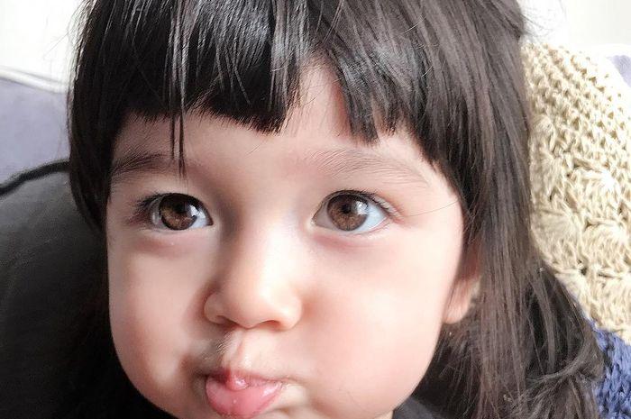 Eri Claire Fujie yang memiliki mata indah tampak menggemaskan