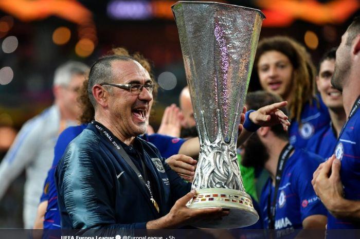 Ekspresi Pelatih Chelsea, Maurizio Sarri, seusai menjuarai Liga Europa musim 2018-2019.