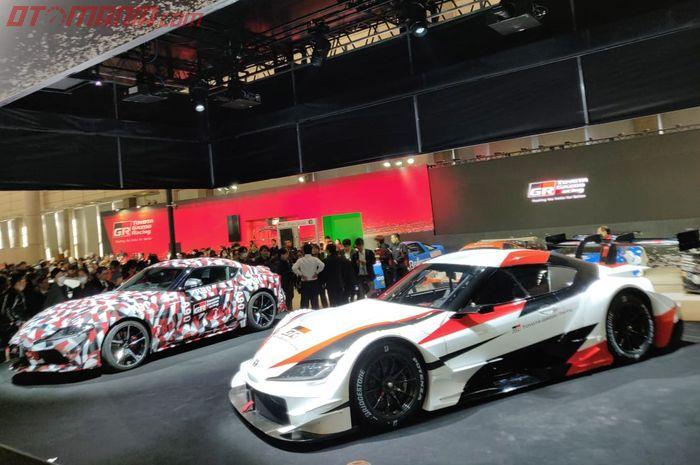Toyota Supra GT bersanding dengan versi produksinya