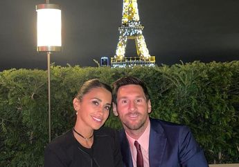 Hidup di Paris Menawarkan Lionel Messi & Istri Kemesraan Menara Eiffel