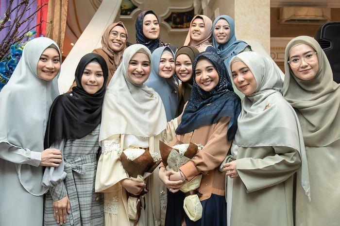 Image result for Intip Berbagai Jenis Trend Khimar 2019