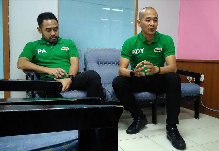Dua mantan pemain Timnas Indonesia, Kurniawan Dwi Yulianto (kanan) dan Ponaryo Astaman, berkunjung ke kantor Redaksi BolaSport Network (BolaSport.com, SuperBall.id, Juara.net, BolaStylo.com), di Jakarta, Kamis (28/2/2019).