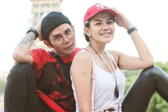 Nikita Mirzani dan hairstylist Krizna Fahrezi