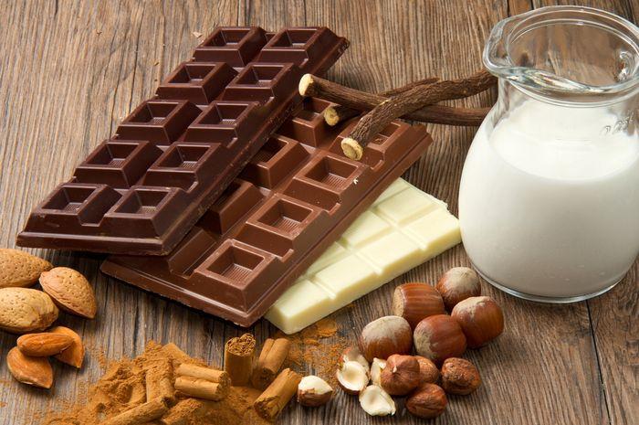 Hasil gambar untuk kacang kacangan dan cokelat