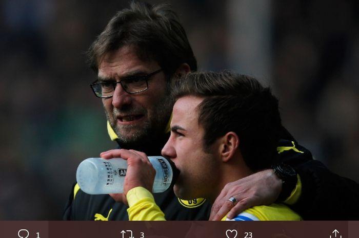 Juergen Klopp (kiri) dan Mario Goetze saat masih membela Borussia Dortmund.