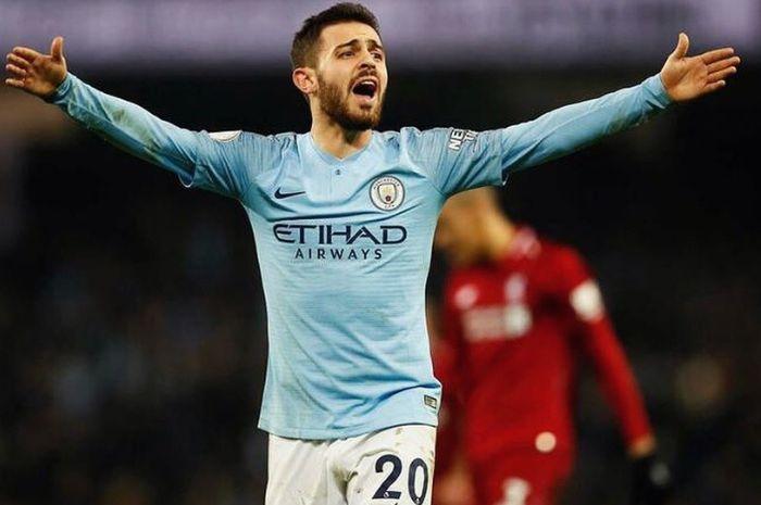 Pemain Manchester City, Bernardo Silva berharap agar rival sekotanya Manchester United mampu mengalahkan Liverpool guna memuluskan City menjadi juara musim ini.