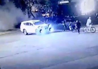 Ngeri! Ledakan Mirip Bom Disela Nobar Debat Capres di Istora Senayan, Satu Mobil dan Motor Rusak