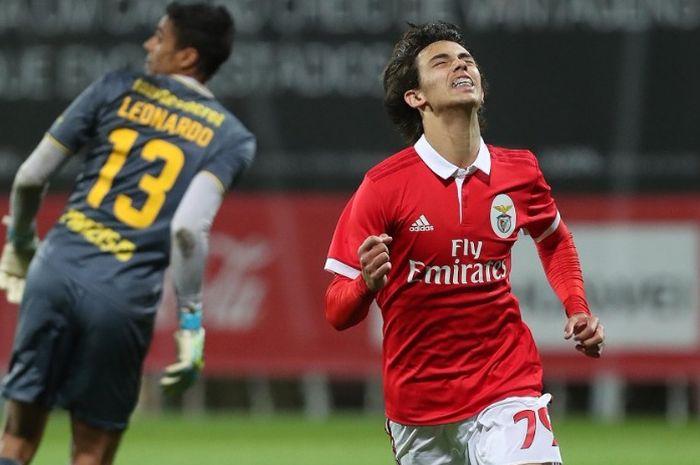 Pemain muda berbakat Benfica, Joao Felix, disebut-sebut menjadi incaran berikutnya oleh Manchester United pada transfer musim panas ini.