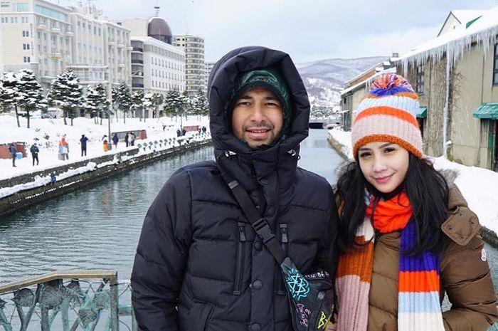 Raffi Ahmad Lakukan Hal Romantis pada Nagita Slavina Saat di Jepang