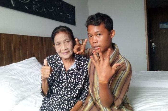 Nenek <a href='https://manado.tribunnews.com/tag/rohaya' title='Rohaya'>Rohaya</a> dan Slamet, pasangan suami istri selisih 56 tahun.
