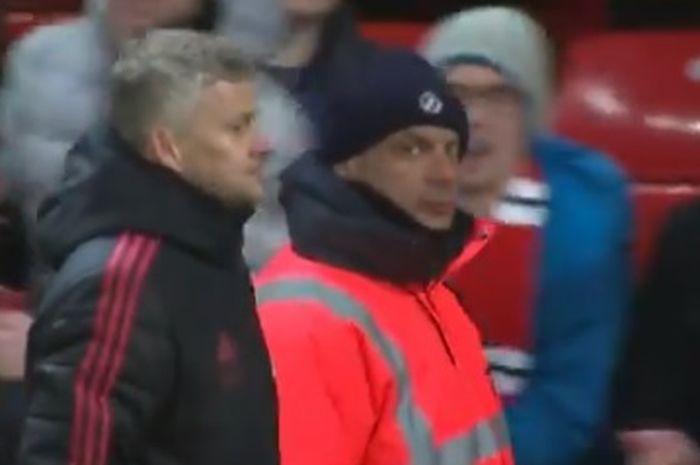 Ekspresi pelatih interim Manchester United, Ole Gunnar Solskjaer, seusai laga Liga Inggris melawan Burnley di Stadion Old Trafford, Selasa (29/1/2019).