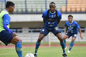 Ikut Latihan Perdana Persib Bandung, Begini Reaksi Victor Igbonefo