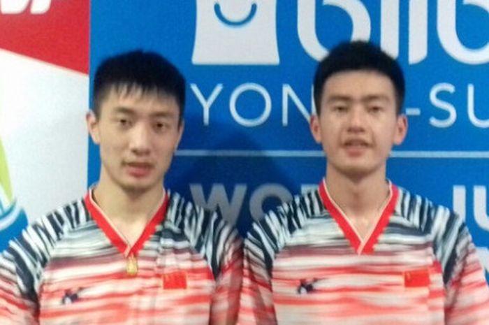 Wang Chang (kanan) saat masih berpasangan dengan Fan Qiuyue di kejuaraan Dunia Junior 2017.