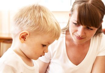 Mengatakan 'Tidak' Pada Anak Tanpa Membuat Emosi? Ini Trik Mudahnya!