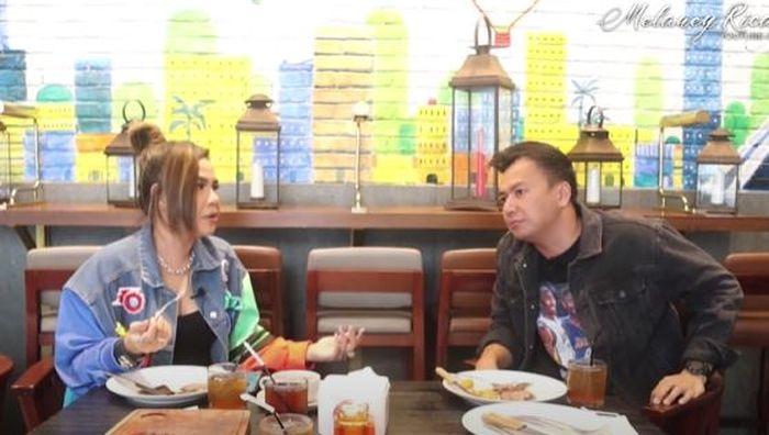 Wijin saat menjadi bintang tamu YouTube Melaney Ricardo.