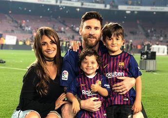 Demi Keluarga Lionel Messi, Sosok Ini Rela Jadi Tukang Foto Dadakan