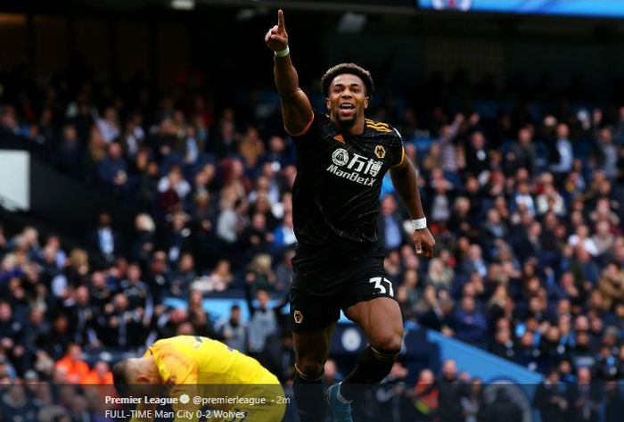Penyerang Wolverhampton Wanderers, Adama Traore, merayakan golnya ke gawang Manchester City.