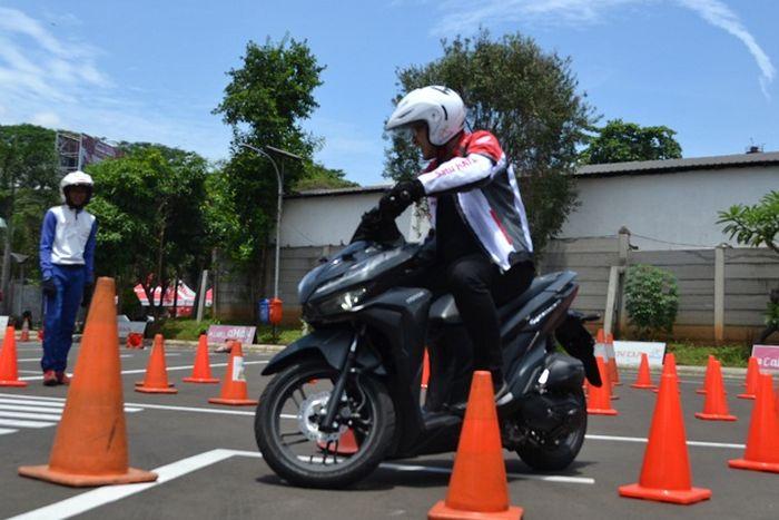 Ilustrasi pelatihan safety riding yang dilakukan Wahana