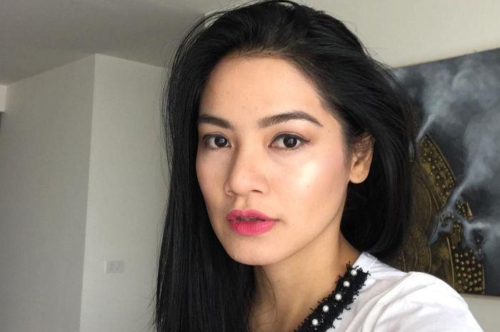 5 bahan alami ini rahasia cantik perawatan wajah Titi Kamal