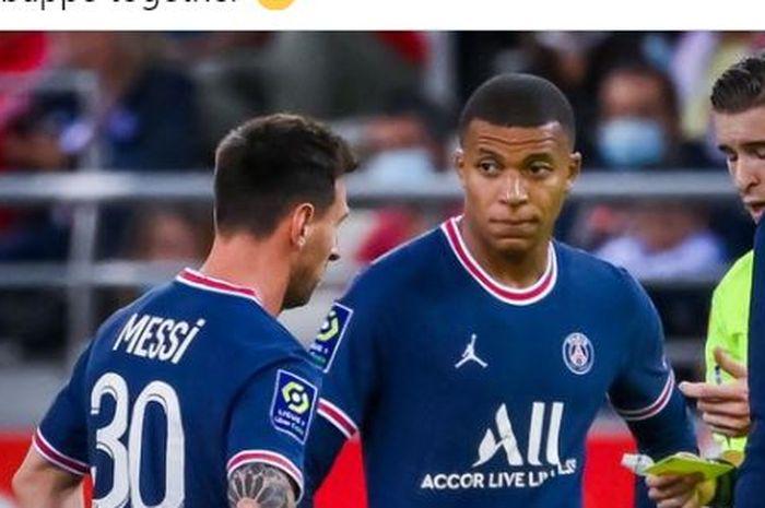 Lionel Messi (kiri) dan Kylian Mbappe (kanan) saat bermain untuk Paris Saint-Germain dalam laga kontra Reims pada pekan ke-4 LIga Prancis 2021-2022.