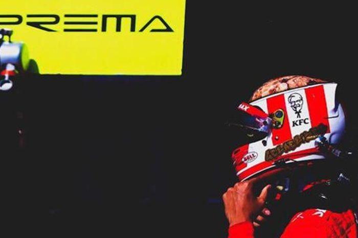 Pembalap Formula 2 asal Indonesia, Sean Gelael.