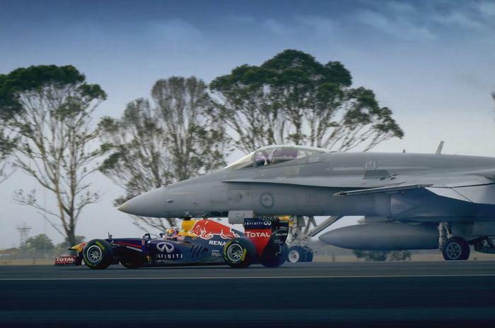 Ketika mobil F1 Daniel Ricciardo adu cepat dengan pesawat jet