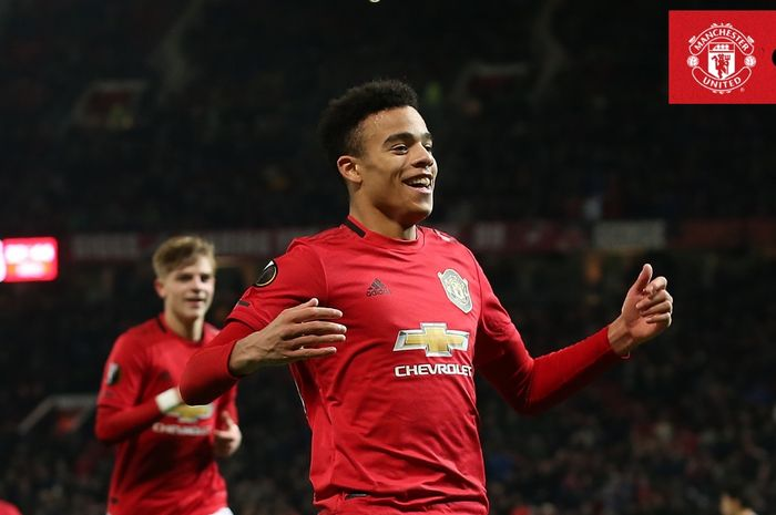 Penyerang Manchester United, Mason Greenwood, merayakan gol yang dicetak ke gawang AZ Alkmaar dalam laga Grup L Liga Europa di Stadion Old Trafford, Kamis (12/12/2019).