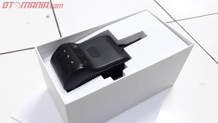 Dash cam multifungsi AVT TD-200 di dalam boks