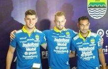 Robert Rene Alberts Bawa Tiga Pemain Anyar Persib ke Markas Badak Lampung