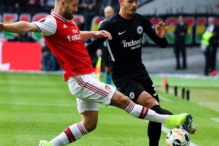 Skhodran Mustafi buktikan kualitasnya sebagai bek Arsenal pada laga Liga Europa.