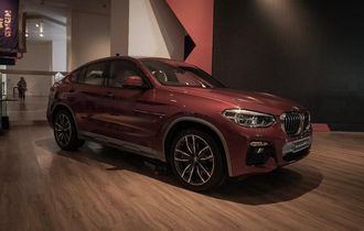 Seperti Ini Desain BMW X4 xDrive30i M Sport X, Eksotis dan Sporti!