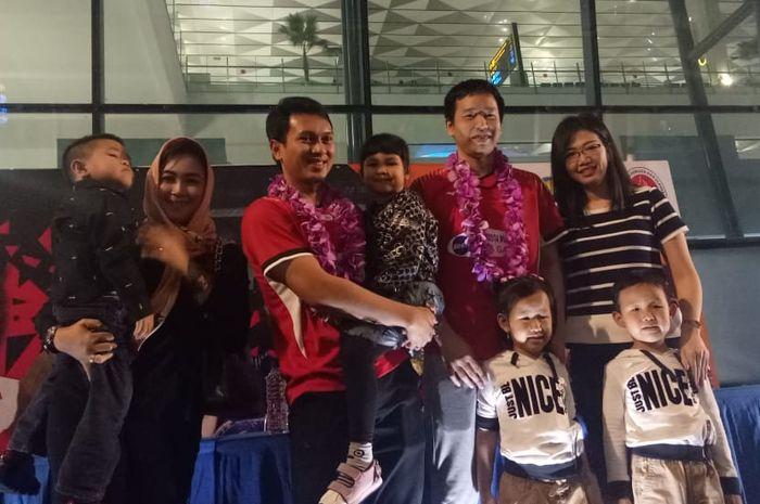 Mohammad Ahsan dan Hendra Setiawan sat tiba di Bandara Soekarno Hatta, Minggu (17/3/2019)