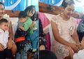 Ke Sekolah Anaknya Mengenakan Baju Wanita, Alasan si Ayah Bikin Haru