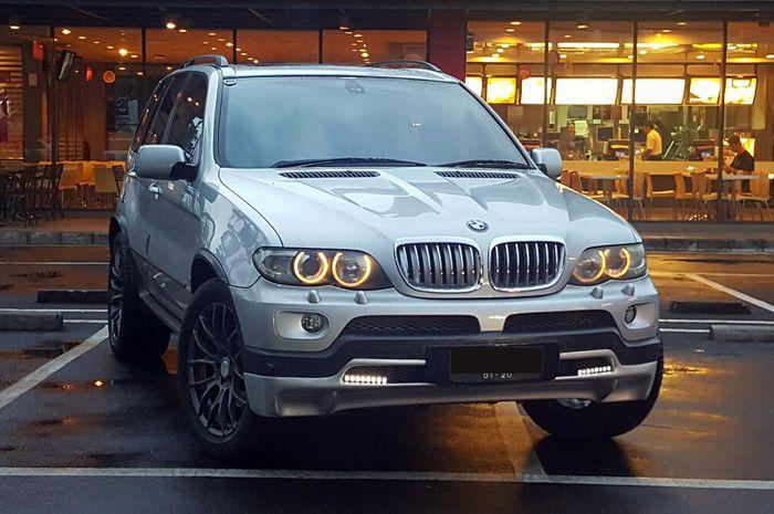BMW X5 E53 facelift diproduksi tahun 2004 - 2006