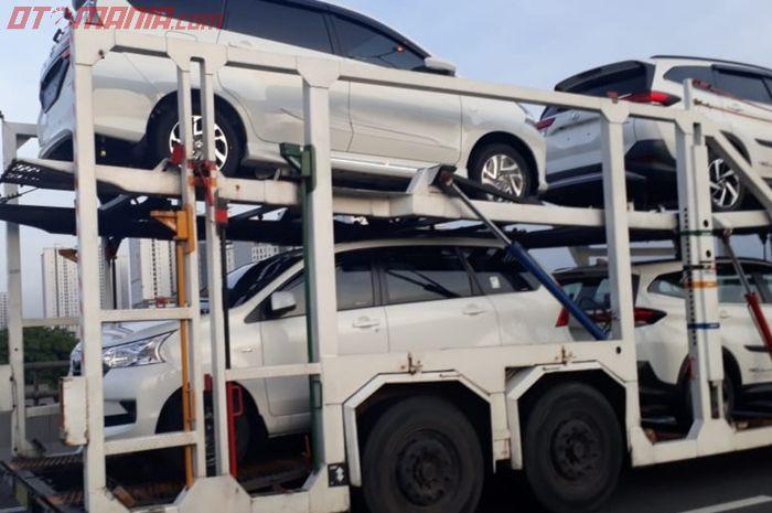 Toyota Avanza baru tertangkap kamera saat diantar dengan truk