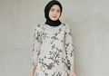 7 Cara Tampil Manis dengan Outfit Floral ala Selebgram Hijab Kekinian!