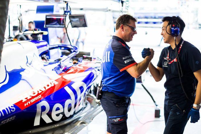 Mobil Tim Toro Rosso, STR14 lolos uji tabrak FIA