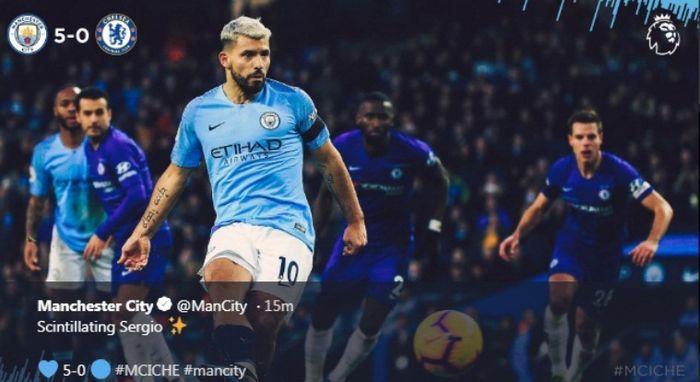 Striker Manchester City, Sergio Aguero, mengeksekusi penalti ke gawang Chelseea dalam partai Liga Inggris di Etihad Stadium, Minggu (10/2/2019)