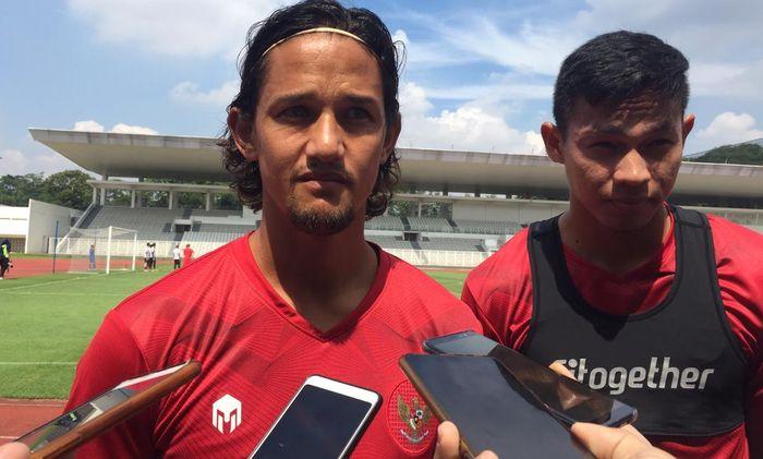 Pemain timnas Indonesia, Irfan Bachdim,  saat atihan timnas Indonesia di Stadion Madya, Jakarta, Sabtu (15/2/2020).