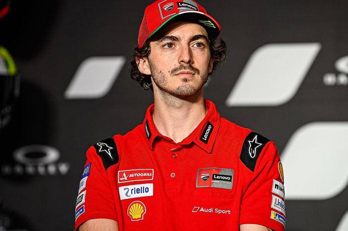 Francesco Bagnaia menilai penampilan Marco Bezzecchi yang makin matang layak untuk mendapatkan promosi pada MotoGP 2022